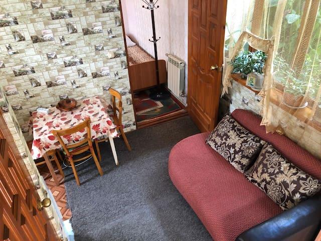 Дом в Сочи на ул Красной 7 «Цветной рай»