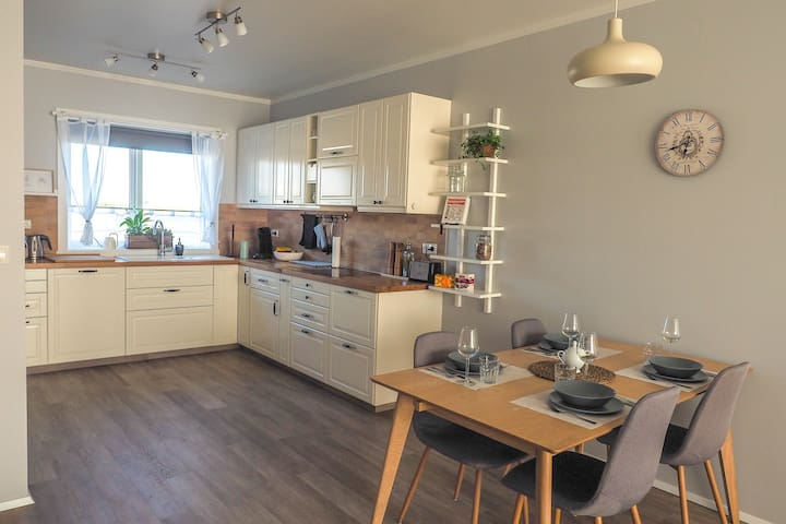 Modern apartment with 2 bedrooms, incl.breakfast