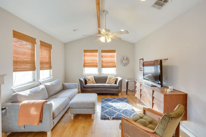 Eastside Bungalow - perfect location!