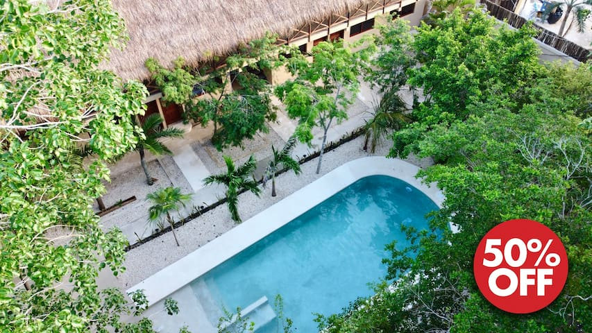 Jungle View Studio for 2 • Super WiFi • Jacuzzi 6