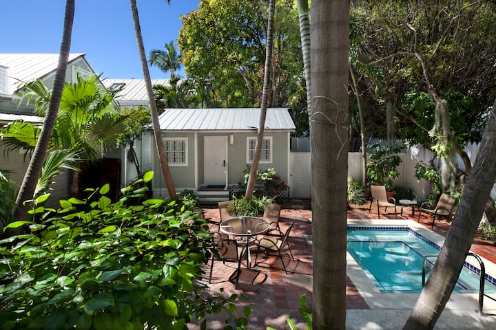 Private Cottage - NYAH Adult Exclusive