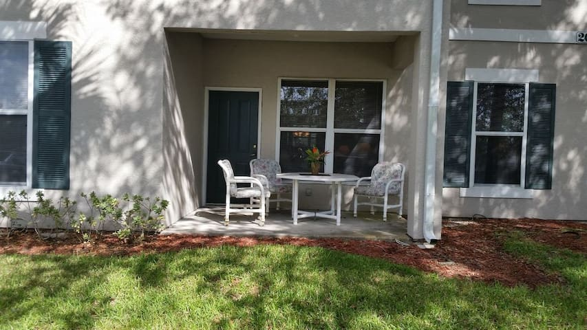 Southern Dunes- Complete condo 25 min from Disney