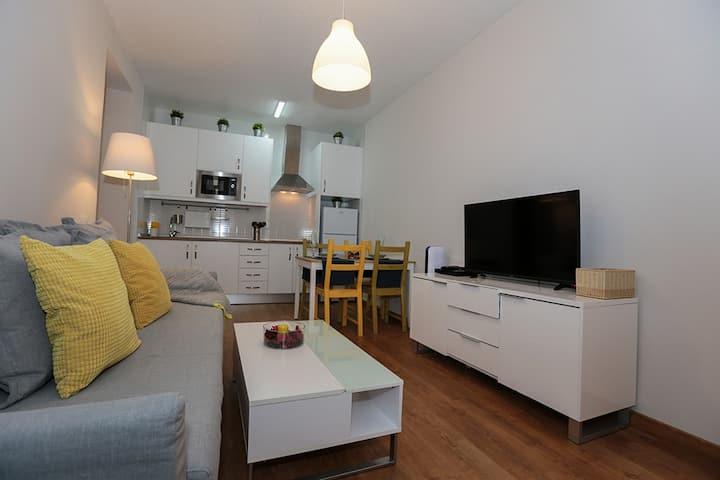 Charming apartment next to the beach