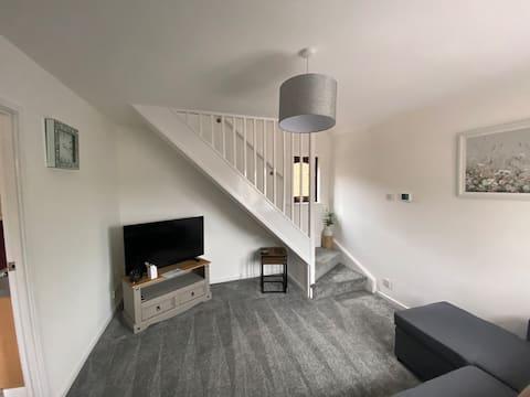 Superb 1 bedroom residential home. Sleeps 4. NEW