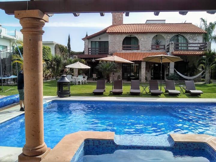 Hermosa Villa Morelos 20 pers alberca jacuzzi cald
