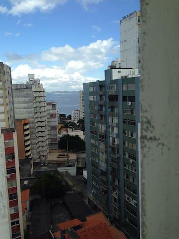 Conforto a 100m do Porto da Barra - Salvador - Appartement