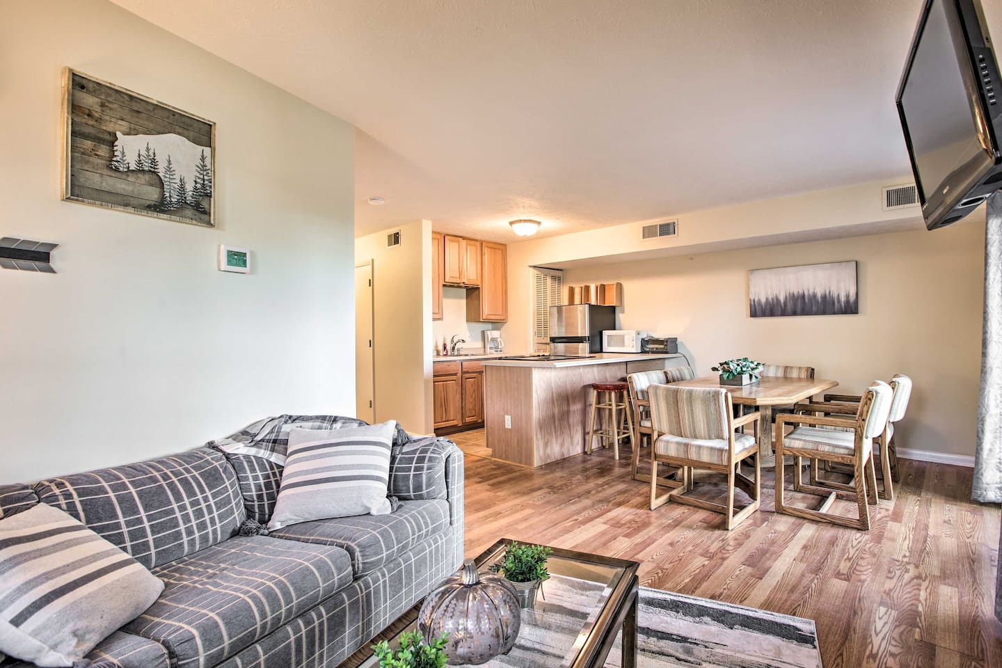 With a sleeper sofa and a queen-sized bed, this vacation rental sleeps 4!