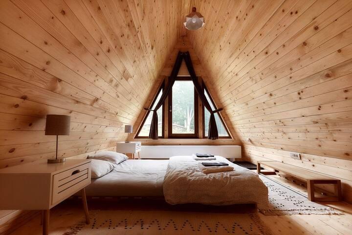 Cabin Geo Cavnic