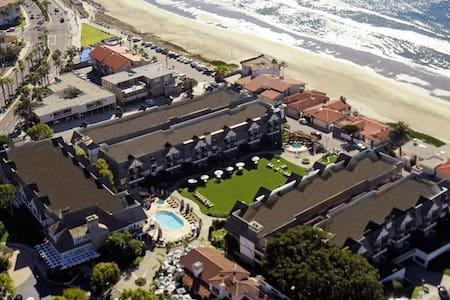 Carlsbad Inn Resort - Carlsbad