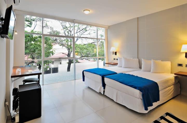 Céntrica habitación hotel 3 estrellas/Central room