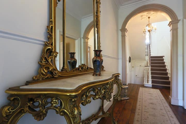 Grand Georgian Residence, with period charm!3 Bed