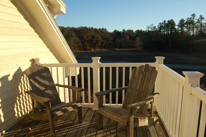 1000 sq. ft. 1BR+ Apt Close to Town & Nature