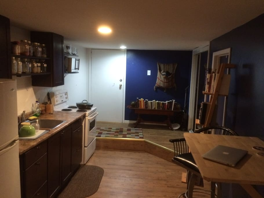 Bachelor Apartment In The Annex Apartments For Rent In