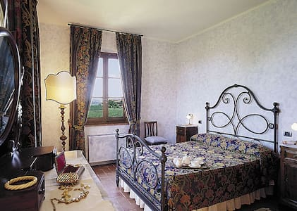 Suite Poggio Saragio - Bed & Breakfast