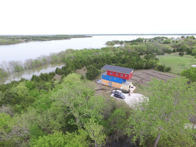 New Shipping Container 3 story  On Lake .. big lot