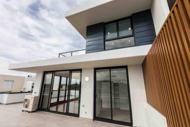 EPP402-Breathtaking luxury penthouse