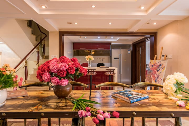 Villa close to Du Fu Cottage light luxury classica - Chengdu - Townhouse