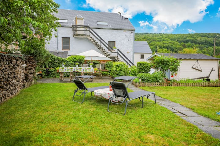Lovely Cottage in Vierves-sur-Viroin with Garden and Terrace