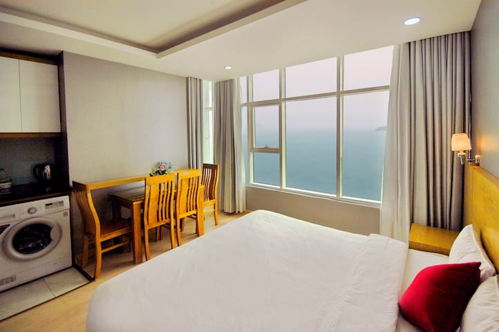 Economy OCEAN View 2 double bed apartment