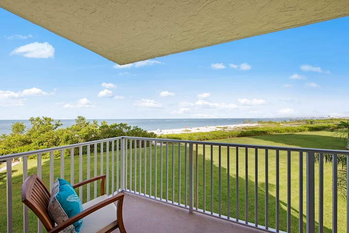 Ocean View Brand New Estero Beach & Tennis 206C