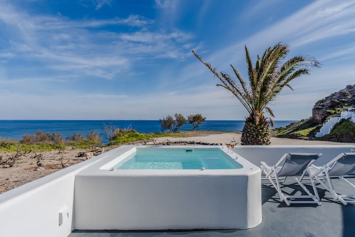 Alios beach house with jacuzzi