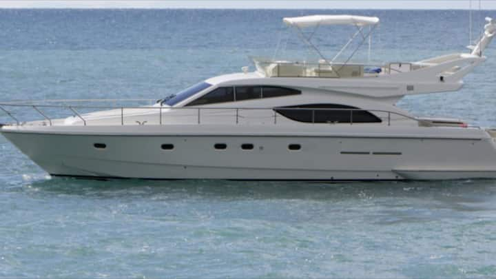 Yacht in Portofino/CinqueTerra, only with charter.