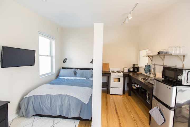 Sweet Bright Modern Studio Near Ocean and Old Port - Portland - Appartement
