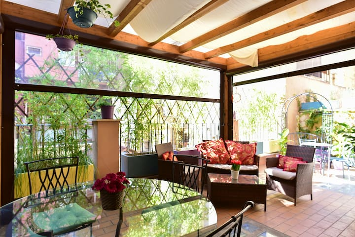 CHARMING ROOM WITH TERRACE TERMINI STATION