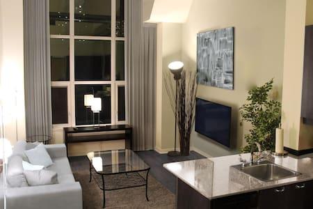 Loft Living in Downtown Core - Yonge/Dundas - Toronto