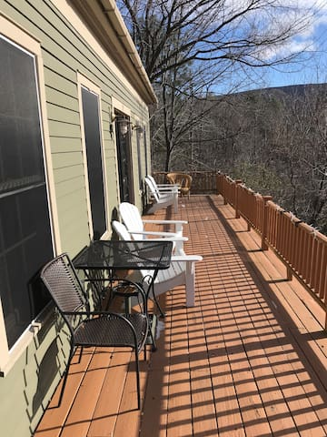 Large kid-friendly home w/ hot tub right in town!