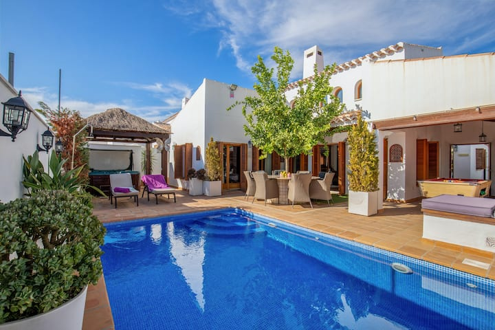 Villa with 5 bedrooms in Murcia, with wonderful mountain view, private pool, enclosed garden