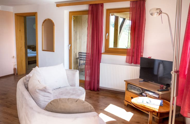 Apartment for 4 with mountain view Salzkammergut - Weyregg an Attersee - Apartament