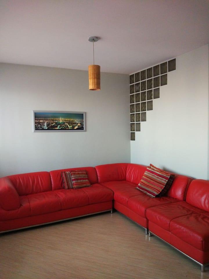 City view apartment (видовая квартира, вокзал)