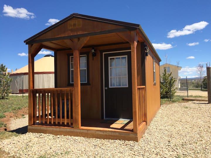 "The Jolly Rancher-""Hoss""tel cabin"