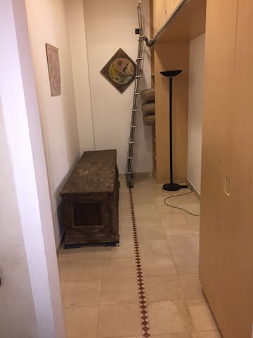 Corridor without guest bed (folded in closet)