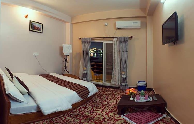 hotel fly inn pokhara
