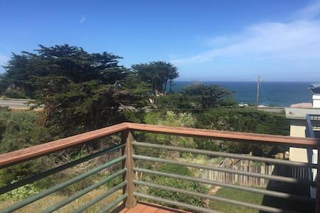 Montara Ocean View Suite