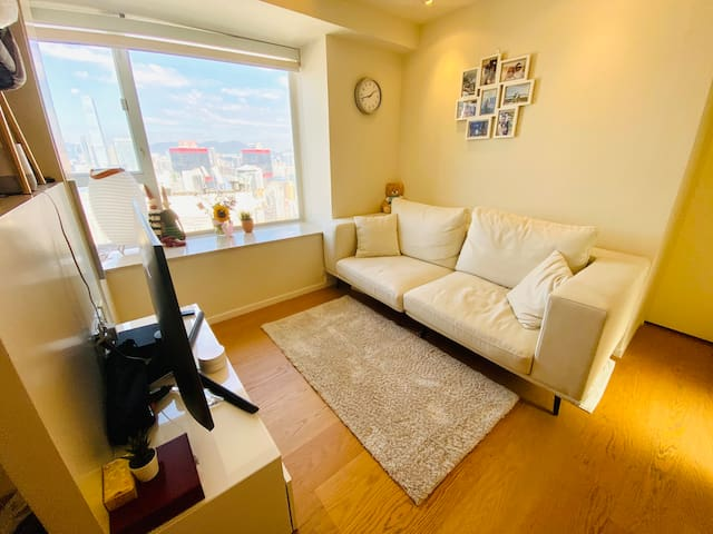 1 Bed Penthouse - City, Harbour & Mountain Views