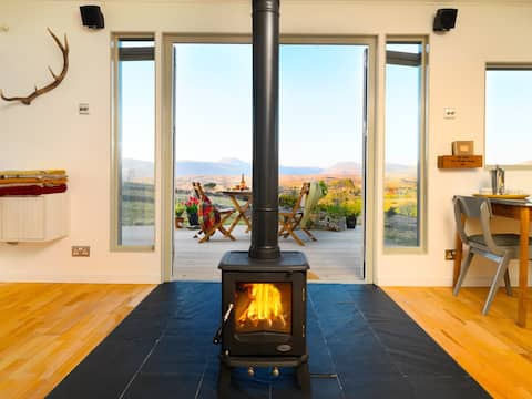 Cosy Cabin with Stunning Glenveagh Views