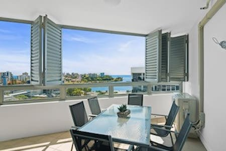 Immaculate 2 bedroom apartment Boat Harbour views