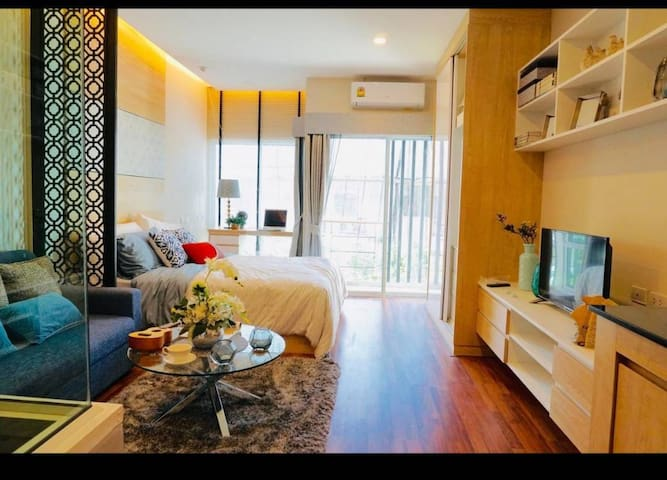 SIRI condo cm406@Top Homerent with free wifi