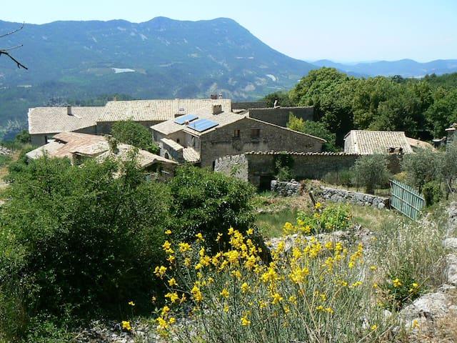 Gîte de l'Erable, face au mont Ventoux