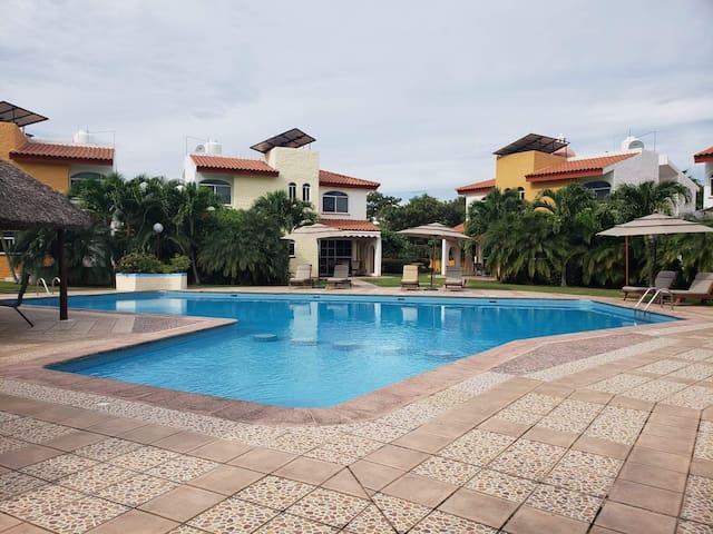 Villa Almendros dentro de Nuevo Vallarta