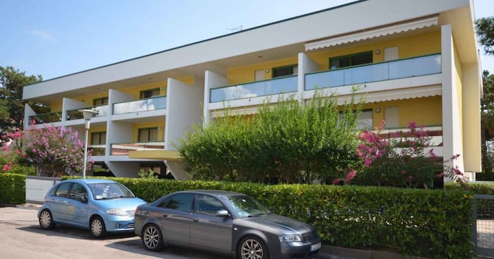 apt for 3+1 persons with a/c in Bibione R76260