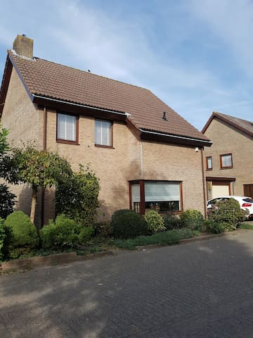 Breda, Private room with beautiful garden and view