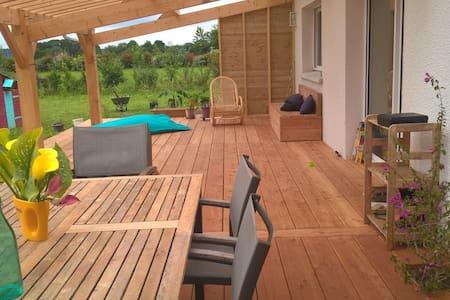 Belle grande villa neuve jardin et terrasse - Sauveterre-de-Béarn
