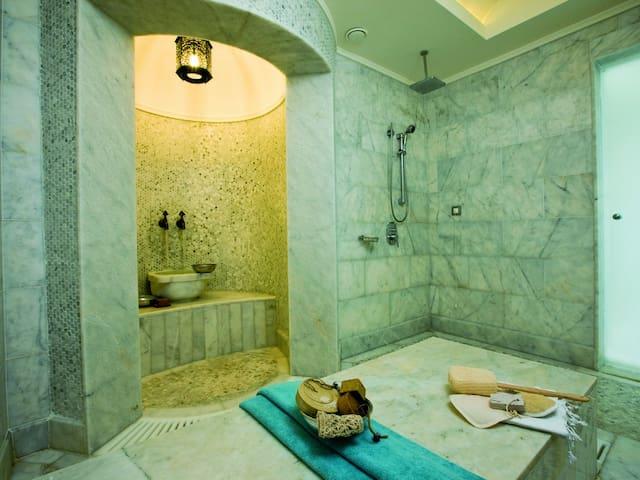 Hamam Suite