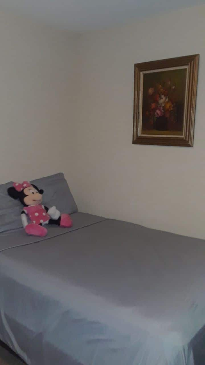 Shared suite with bathroom near Universal Studios