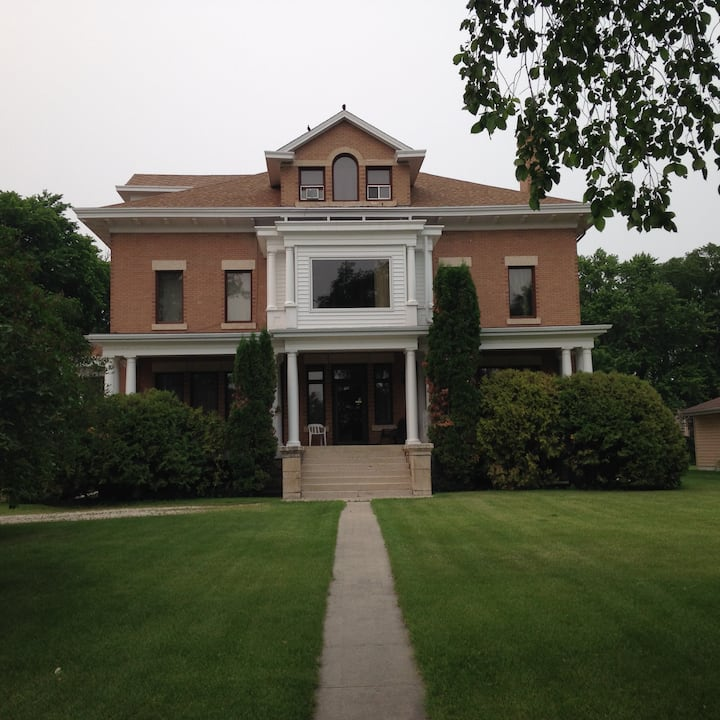 """Lakeview Heritage"" Estate"