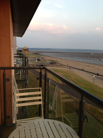 Sea View Apartment - Llanelli - Apartment